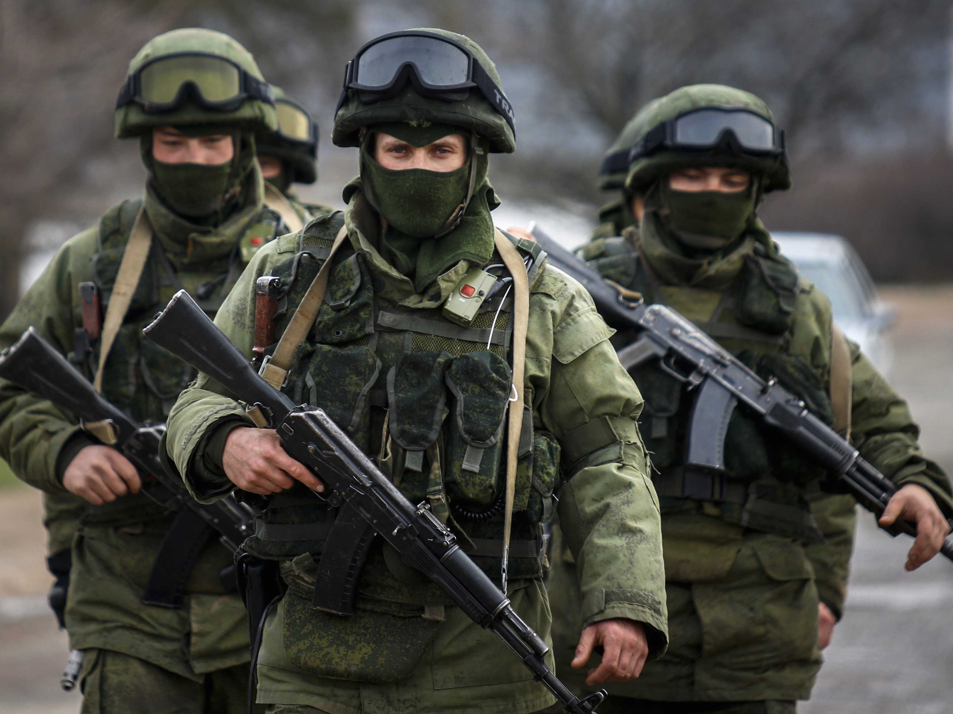 https://www.studentnewsdaily.com/wp-content/uploads/2014/04/russian-troops.jpg