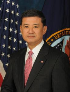 Eric_Shinseki_official_Veterans_Affairs_portrait