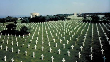 The Normandy American Cemetery and Memorial honouring U.S. soldiers who died on European soil in World War II, Colleville-sur-Mer, France.  (Credit: American Battle Monuments Commission)