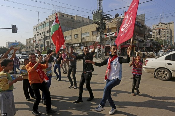 gaza-palestinians-celebrate-murders2