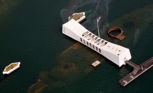 pearl_harbor_ussarizona-memorial