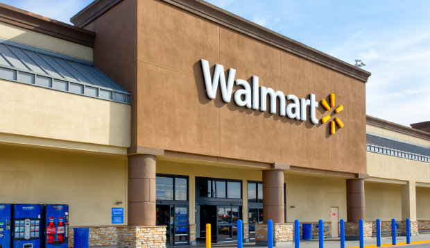 Wal-Mart suddenly closed 5 stores and laid off thousands of workers