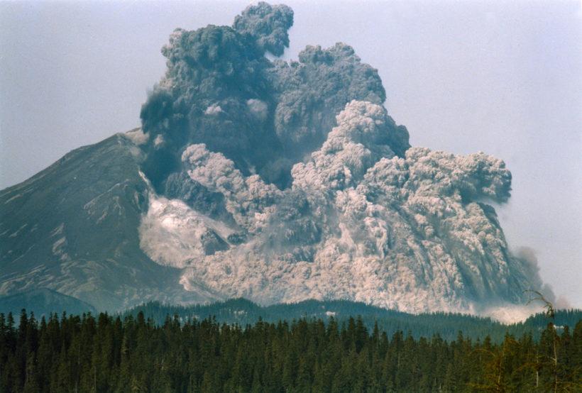 mt-st-helens-erupts