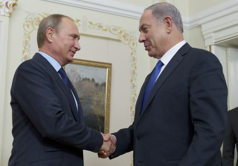 Russian President Vladimir Putin (left) meets with Israeli Prime Minister Benjamin Netanyahu at the President's Novo-Ogaryovo residence, outside Moscow, on Monday.