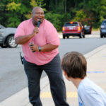 Assistant principal greets students with singing, dancing every morning