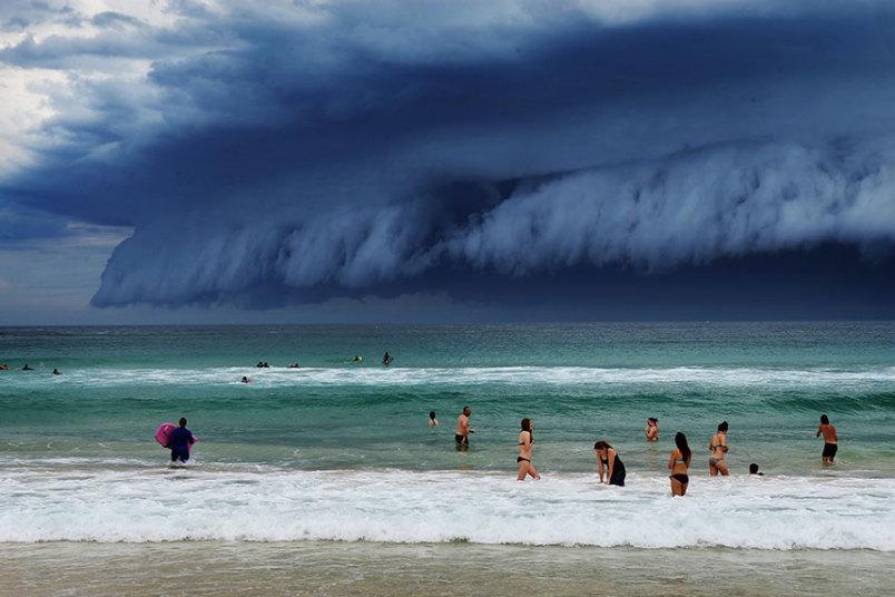 cloud tsunami stuns australia