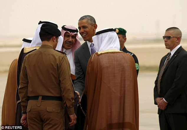 Obama meets Saudi king with Iran on agenda
