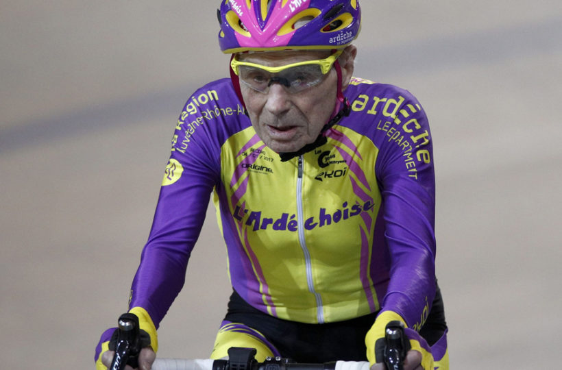 105-year-old Frenchman sets cycling record