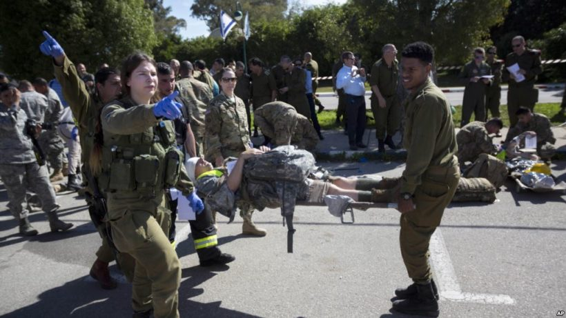 Israel prepared to evacuate a quarter million from northern border in a war