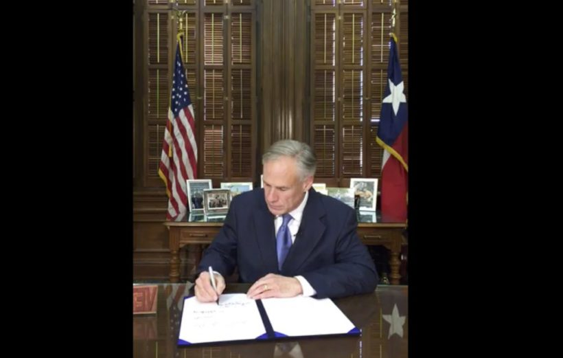 Texas governor signs bill banning sanctuary cities