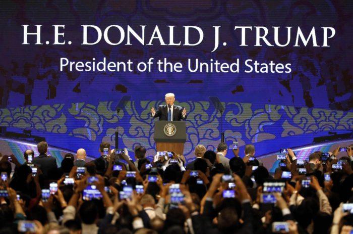 Tuesday's World #2 – Vietnam – Trump speaks at APEC summit