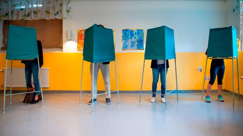World #1 – SWEDEN: Major parties close in vote; right party gains momentum