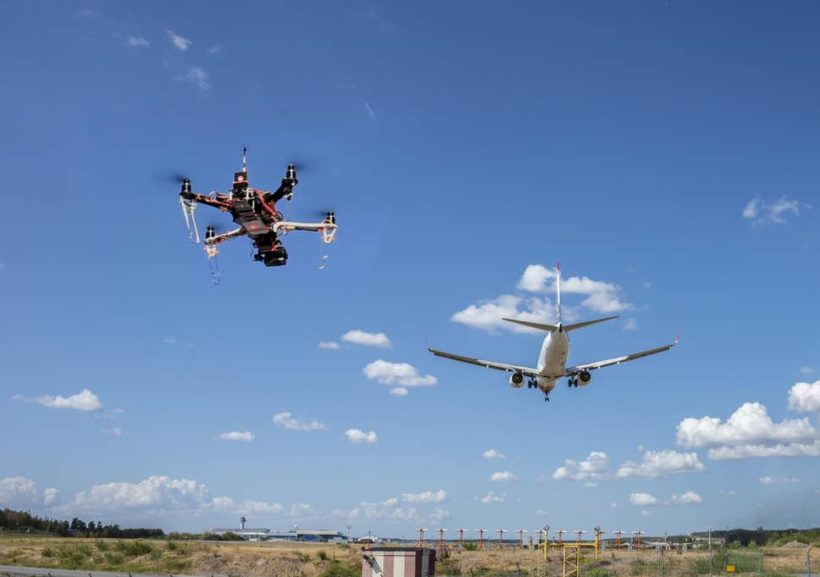 World #2 – Activists opposed to airplanes arrested at UK airport for flying drones