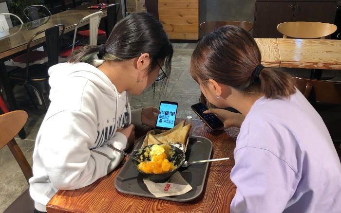 Addicted to cellphones, South Korean teens enter government-run detox centers
