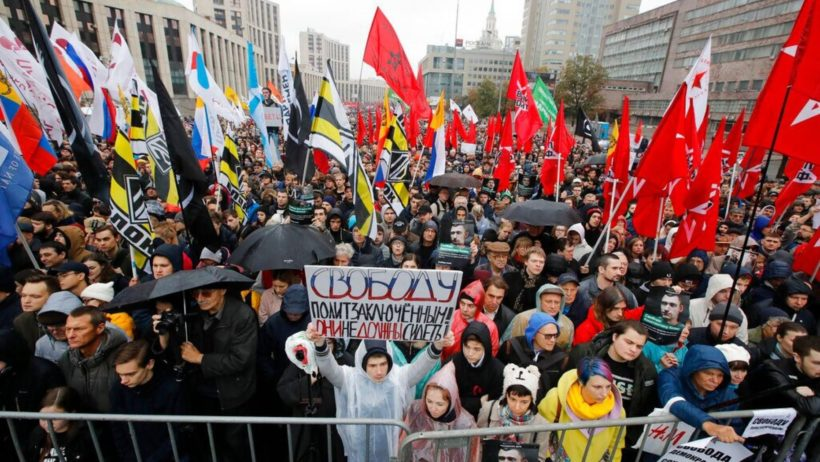 World #3 – Tens of thousands rally in Moscow to demand Russian protesters' release