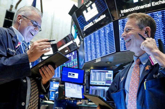 New Record High in Stock Market Skipped by ABC, CBS, NBC
