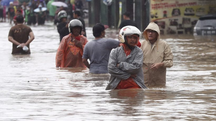 World #3 – Indonesia seeds rain clouds as flooding kills 53