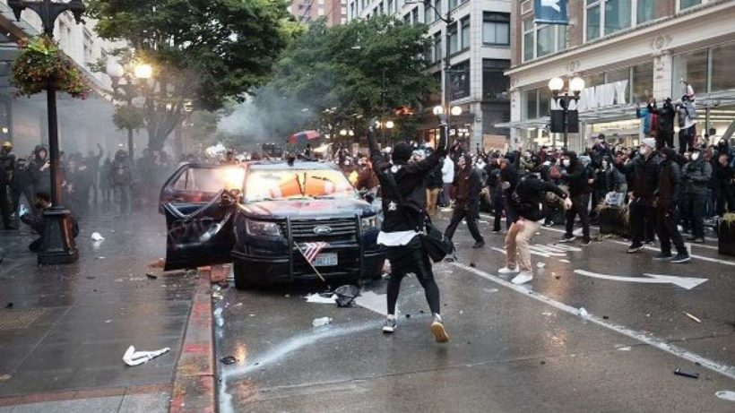 Apple helps feds track down BLM protester accused of firebombing cop cars