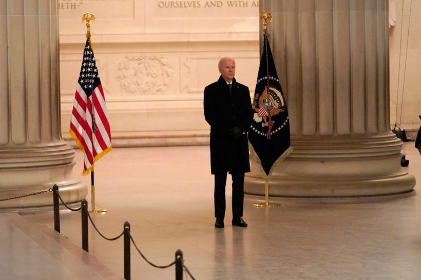 Joe Biden ditches mask at Lincoln Memorial — hours after mandating them
