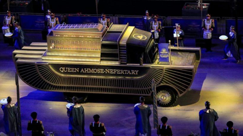 "World #2 – Egypt holds parade of mummies ""Pharaohs' Golden Parade"""
